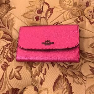Coach metallic cerise wallet💖